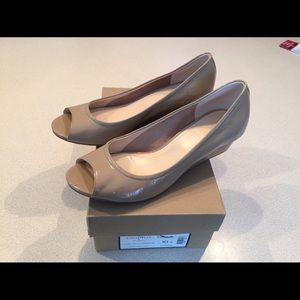 Cole Haan patent nude open toe wedge size 10